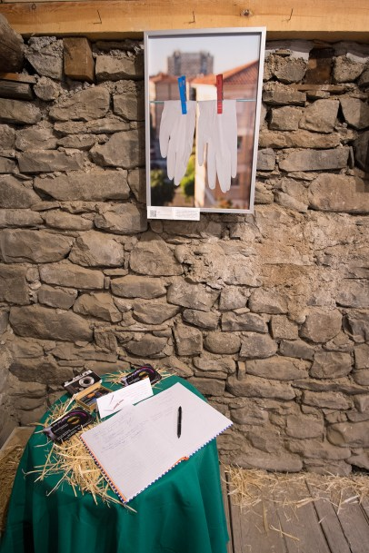 Villanua I feria libro buhardilla fotos latex mesa firmas