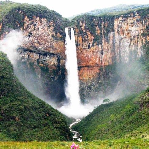 Cachoeira_do_Tabuleiro_