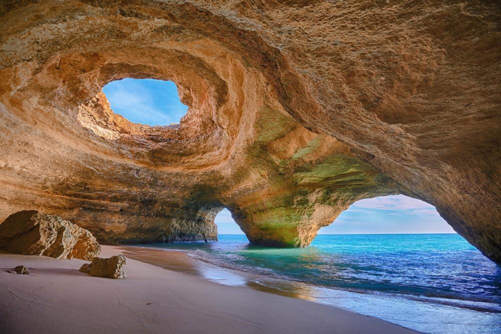 Benagil_Cave,_Algarve1