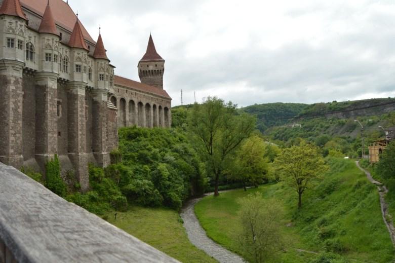 castelul-corvinilor-2
