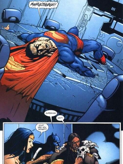 Martian Manhunter knocks out superman by reading his mind