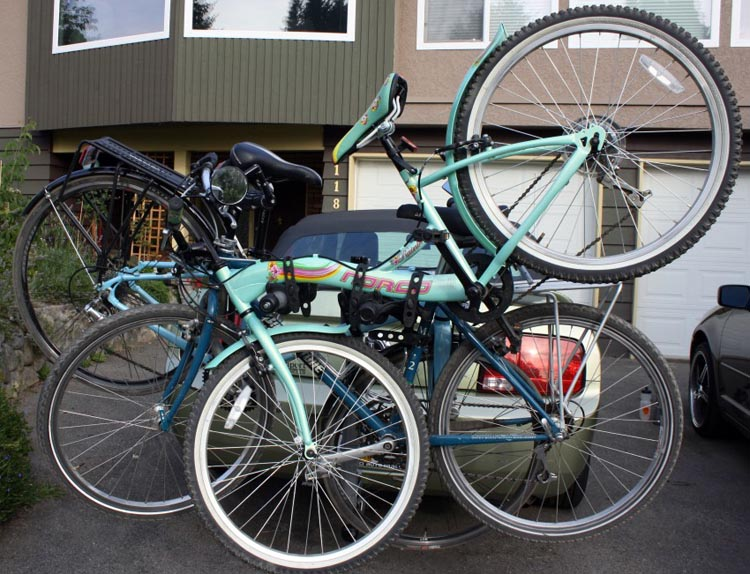 Three bikes on the Thule Helium Bike Rack – not pretty, not easy – but possible
