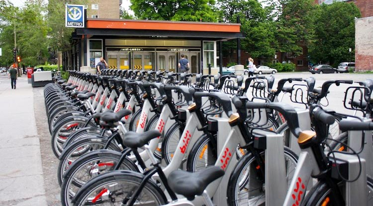 How to rent bikes in Montreal, Canada. For short bike trips you can easily use the Bixi bike share bikes, which are conveniently located all over the city. Montreal bike rentals