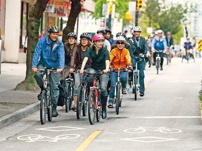 Gregor-bike-cyclists-Dunsmuir