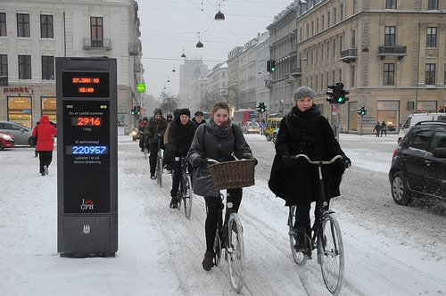 Even in the winter, many people are brave enough to tackle cycling in Montreal. The infrastructure makes this possible