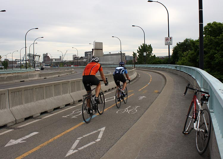 How to rent bikes in Montreal, Canada. For longer bike trips in Montreal you need a good bike from one of Montreal's bike rental shops. On the right is the Norco road bike I rented. Montreal bike rentals