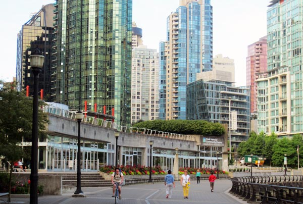 Coal Harbour Community Centre on the Sea Side Bike Route
