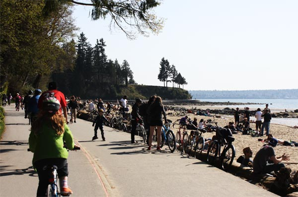You can choose to stop at Third Beach, along the Stanley Park Seawall Bike trail