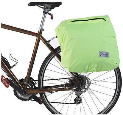 The Two Wheel Gear classic pannier has a waterproof cover. Two Wheel Gear Classic 2.0 Garment Pannier Review