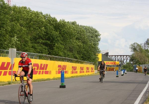 The Circuit attracts cyclists of all manner - Montreal cycling