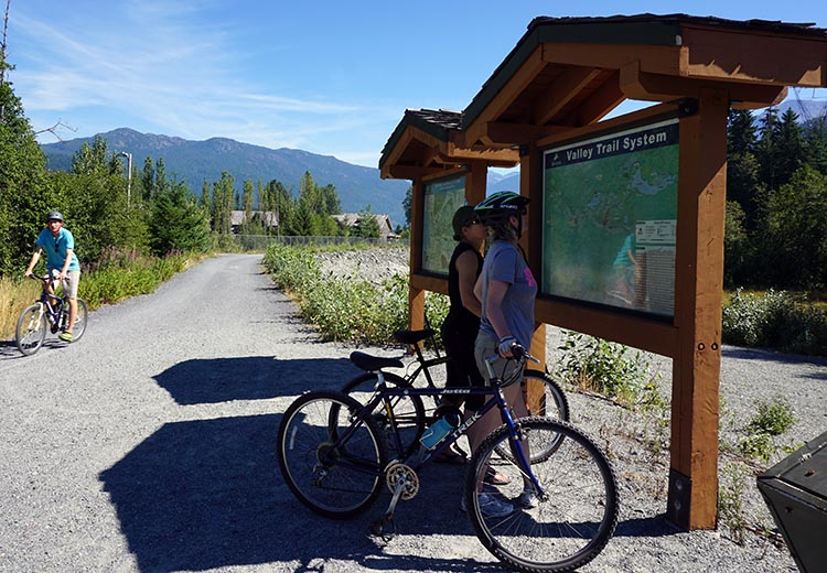 Large maps along the way will help you find your way along the Whistler Valley Trail