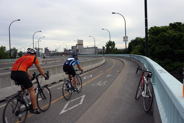 Heading back over towards Montreal - Montreal cycling