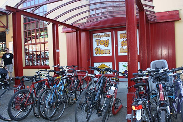 There are plenty of places to park your bike while you explore Granville Island. Just lock it well, as there are a lot of bike thieves around