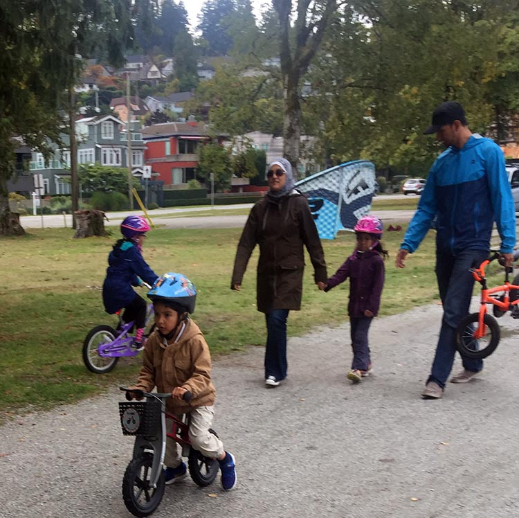 It's always a good day to take the family cycling or hiking on Vancouver's Seaside Biking Trail! How to have a fun cycling vacation in Vancouver