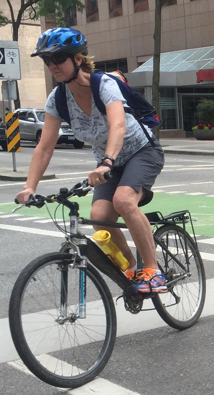 Here are my tips for women bike commuters! 9 Tips for Women Bike Commuters
