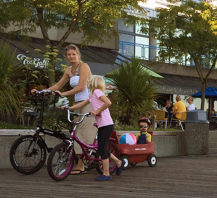 New Westminster Quay has become a perfect place to have some quality outdoor time with the family. New Westminster cycling