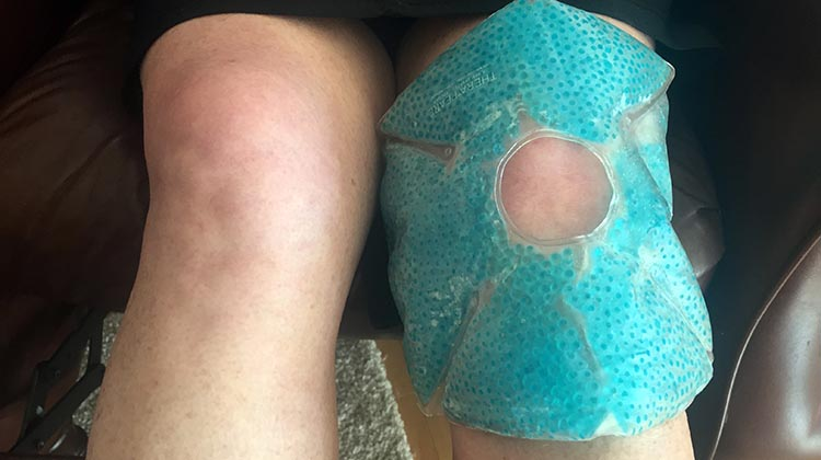 Prevent cycling knee and hip pain with our complete guide to stretching for cyclists. How to prevent cycling knee pain with proactive icing using a therapearl knee wrap pad