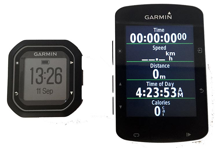 Garmin Edge 520 vs 25 Bike Computers. With the Garmin Edge 520 (right), you have a very sleek and futuristic color display, and you can customize it to your heart's content. You can have up to 10 fields per page and up to 5 customized pages, so you should be able to set up a configuration that suits you perfectly. With the Garmin Edge 25 (left), you are very limited on your tiny black and white screen. You have just 3 fields per page and only 2 customized pages.