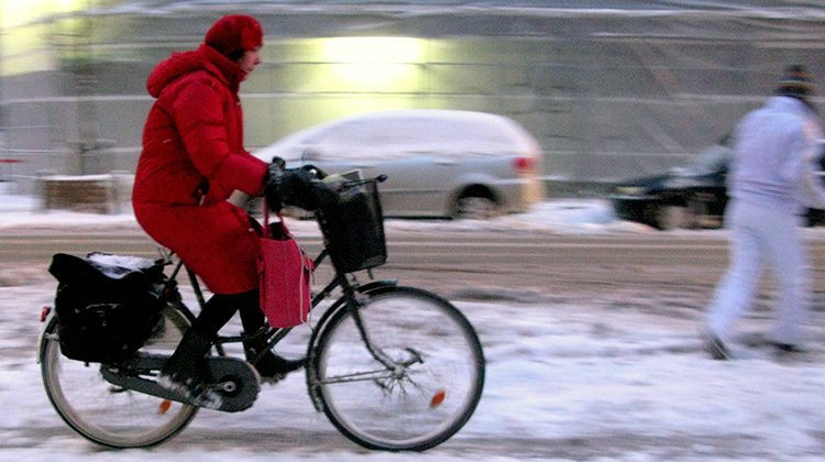 Winter cycling is possible and can be great fun! Photo from Colville-Andersen's Flickr stream