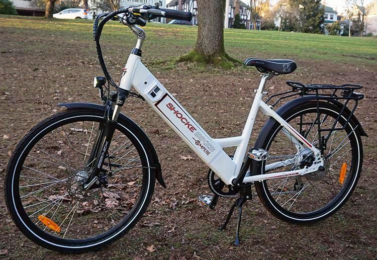 This Ampere Electric Bike is strong, and has a Dutch-style step-through frame for easy mounting and dismounting. guide for fat cyclists
