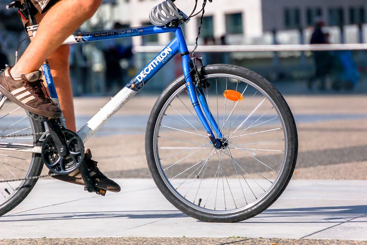 "As you approach the building you suddenly realize: ""I have to leave my bike outside all day long..."" How to protect your bike from bike thieves"