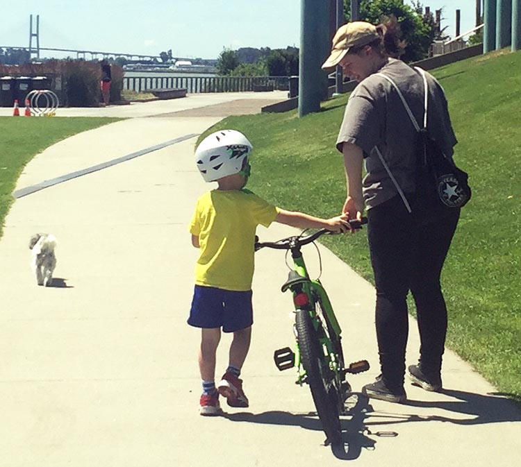 9 SImple Steps to Teach a Child to Ride a Bike. Teach your child how to hold the handlebars and push their own bike on the way to the park or wherever you are going to practice. How to teach a child to ride a bike