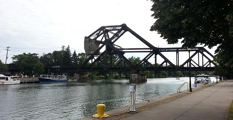 The bridges on the Erie Canal can be viewed along the way