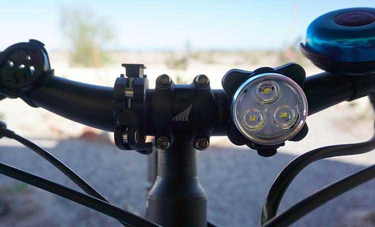 Front light of the Vont Bike Light set. https://amzn.to/3rP9H5C