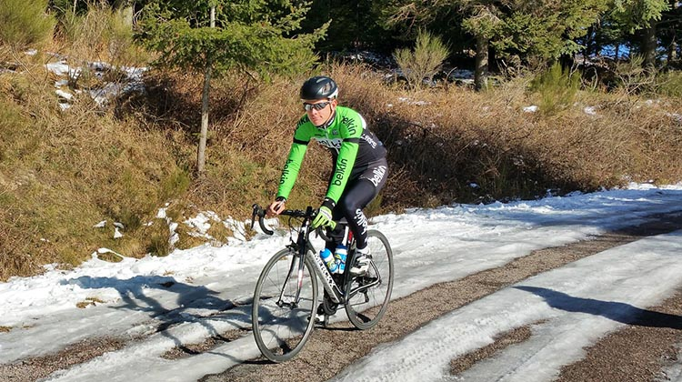 How to Dress for Winter Cycling - Cycling Clothes that will Keep You Warm and Dry