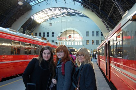 Here are my blurry girls arriving by train in Bergen