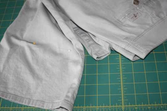 Upcycled pants into doll skirts : Avery Lane Sewing Blog