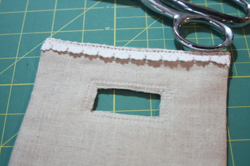 Sewing tutorial for making phone charging station on AveryLaneSewing.com  blog 22