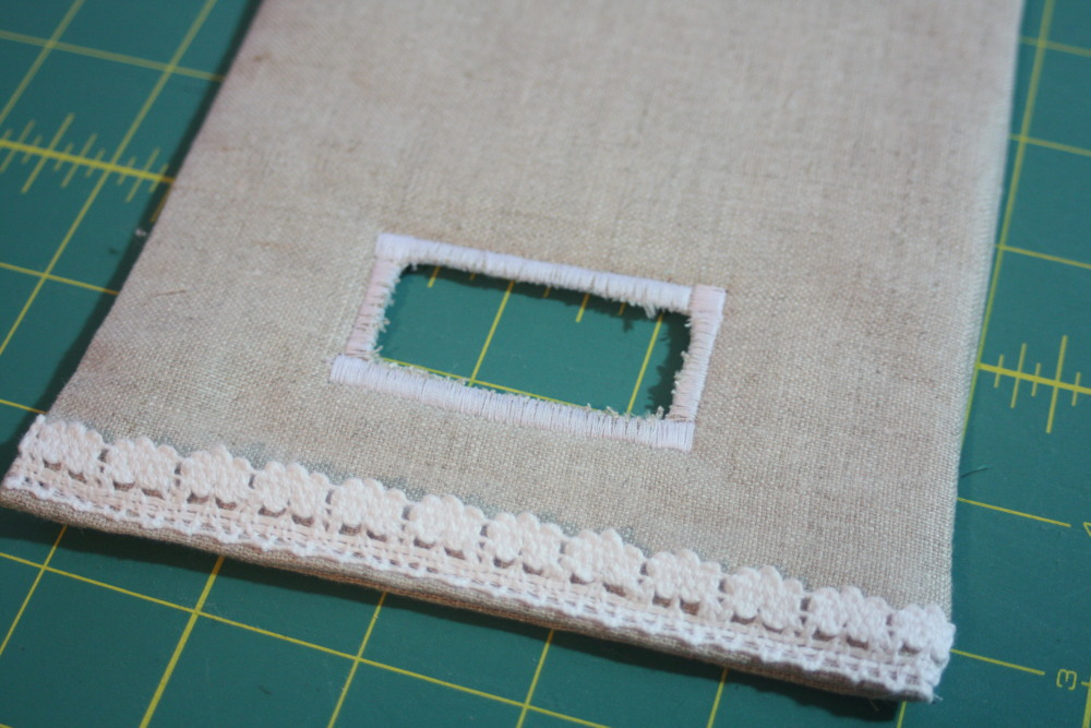 Sewing tutorial for making phone charging station on AveryLaneSewing
