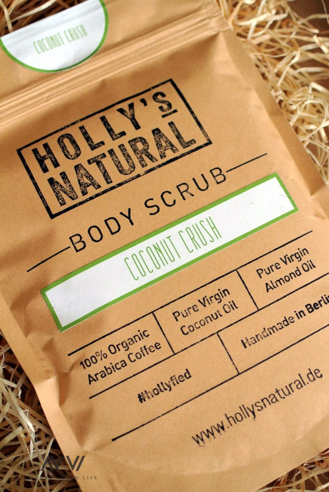Hollys-Natural-Body-Scrub-1-AVVL