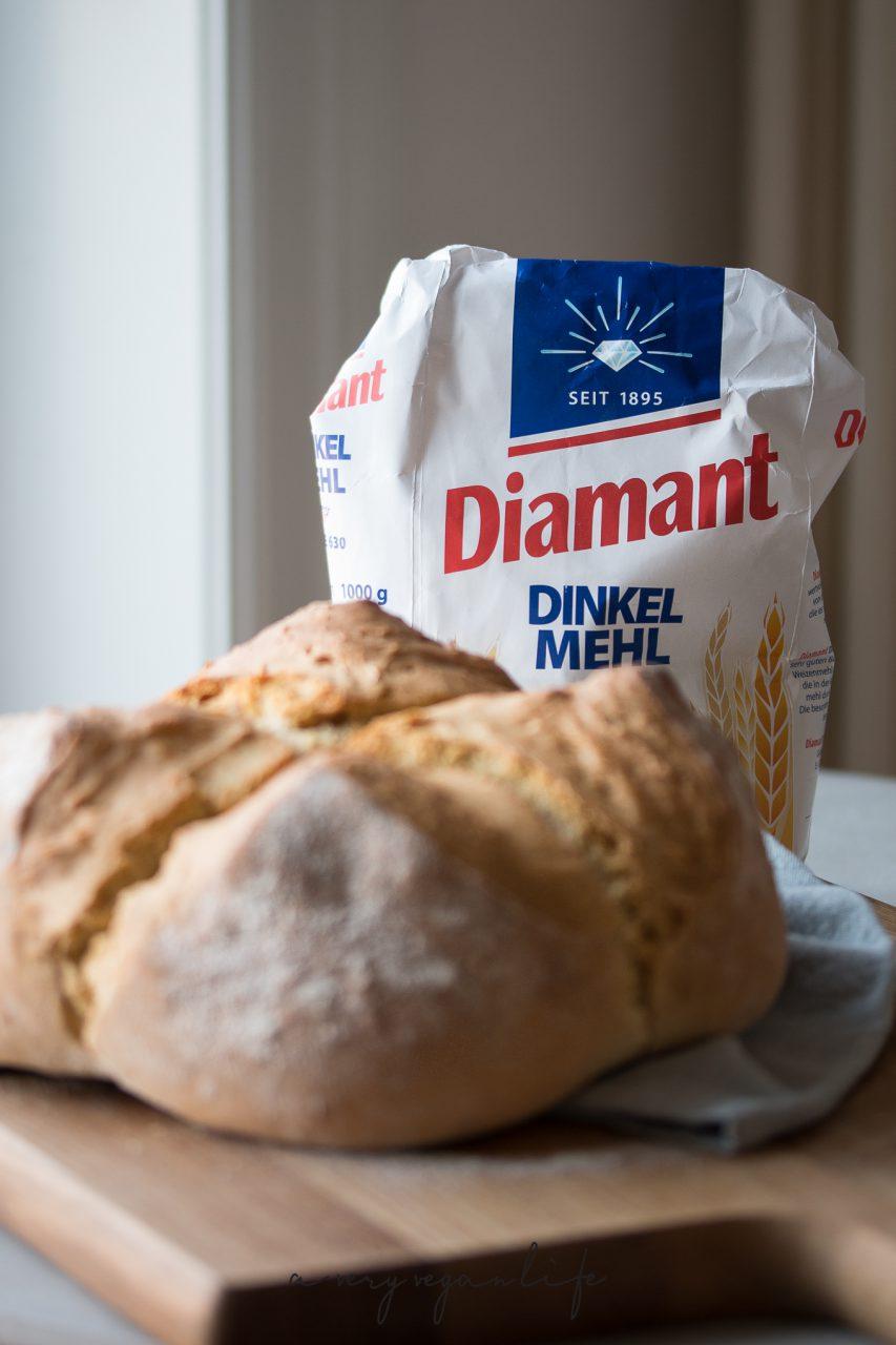 Brot aus Dinkelmehl von Diamant