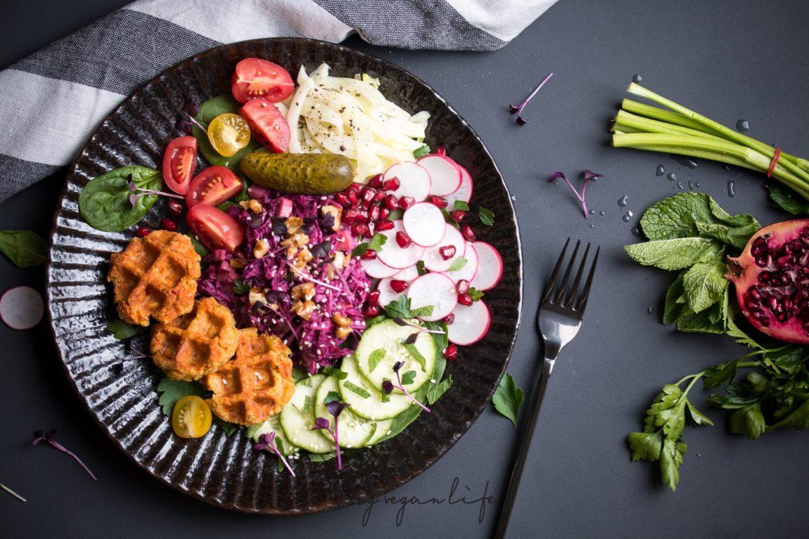 Falafel Waffles-Bowl, vegan