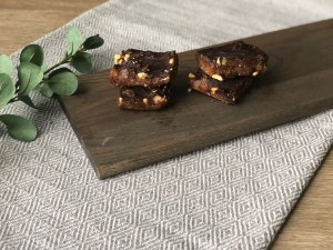 dark chocolate date bars