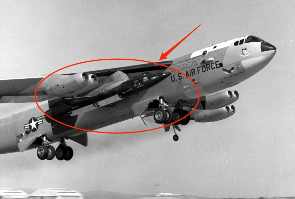 NB-52A-0003, takes off with an X-15 mounted under the right wing.