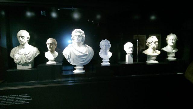 Goethe und kein Ende - 7 Büsten zeigen den Klassiker in verschiedenen Lebenszeiten