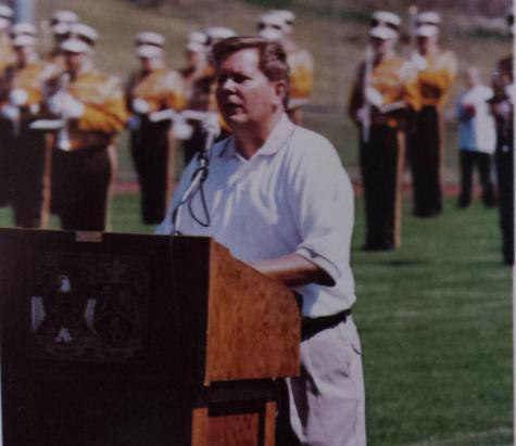 Principal Degenaar speaks at stadium dedication ceremony