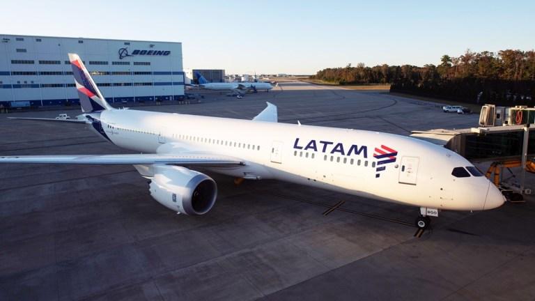 Latam registra 74 milhões de passageiros