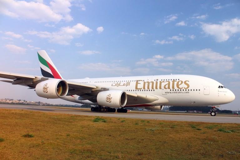 Emirates recebe a primeira de três aeronaves A380 com entrega planejada para dezembro