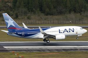 LAN Colombia - Boeing 737-700