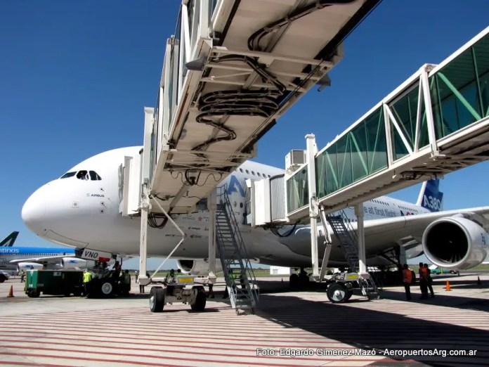 Airbus A380 F-WWDD en Ezeiza el 30/03/2012
