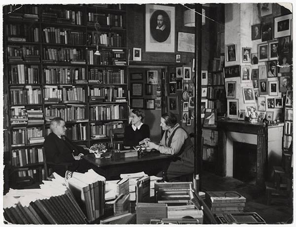 Figuras do Espanto - James Joyce na livraria Shakespeare and Company - Gisele Freund, 1938556737_550306165035099_1824565899_n