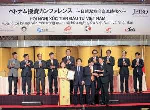 Vietjet launches direct flight from Hanoi to Osaka 4