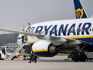 Ryanair tells passengers to take bus after landing at wrong airport 480 miles away