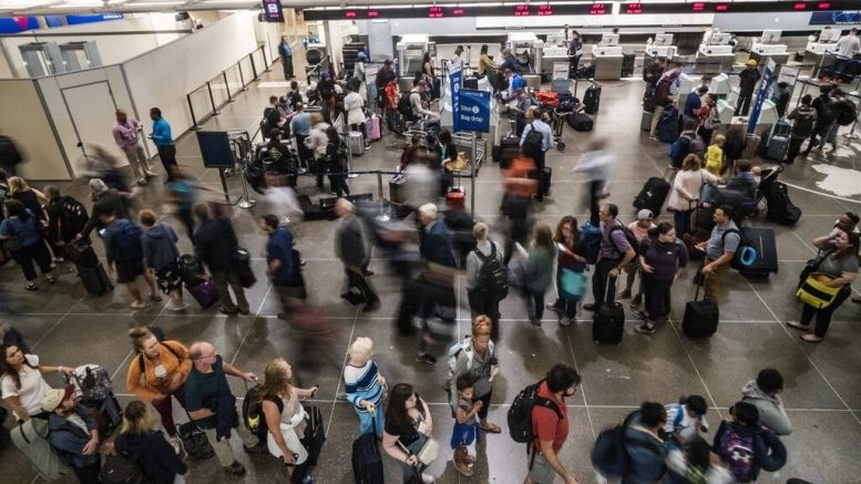 Worst days and routes to fly over Thanksgiving weekend 1