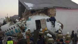 Passenger jet with 100 people crashed into a two story building 27