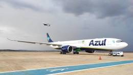 Brazil's Azul flies to New York's JFK Airport 10